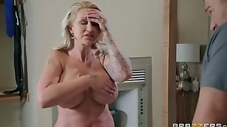 Two-faced Mom 3 - Ryan Conner - FULL SCENE on http:\/\/bit.ly\/BraSex